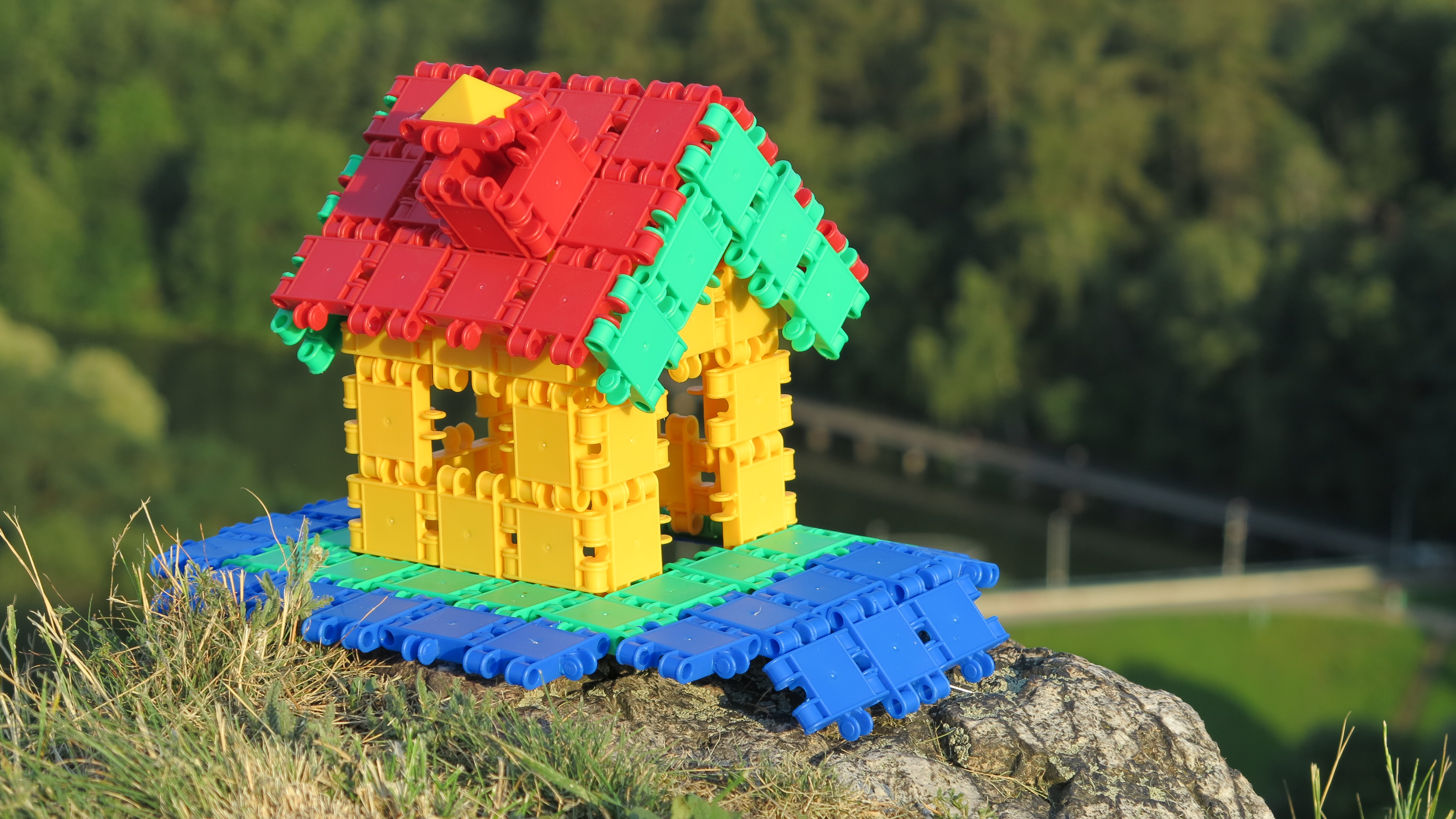 CLICS kostičky… stavebnice jednoduchá, veselá, milovaná